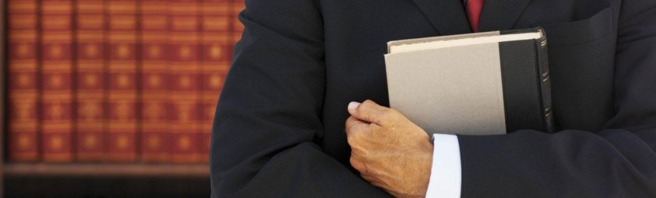 """7 títulos literarios sobre aseguradoras que """"aseguramos"""" merecen la pena disfrutar"""